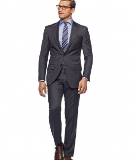 single-breasted-suits-30D07660A-79D0-1B36-1A06-F6D76BBFA506.jpg