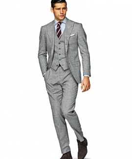 suits-with-vests-52FFE595E-5B34-75D2-7FEA-1F99A7721584.jpg